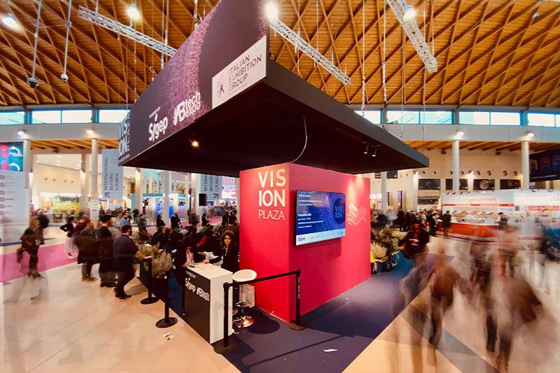 6-Vision-Plaza_800x533_Qucino.jpg